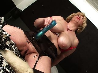Girl fisting and squirting