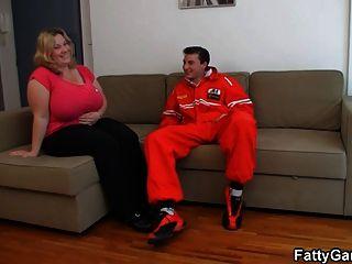 Chcik With Huge Jugs Gives Head