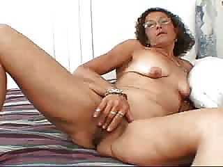 Candi Likes To Masturbate  Fm14