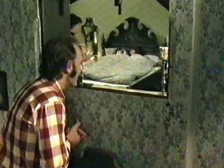 Alte ausgeleierte drecksau bittet zum geilen arschfick - 1 part 1