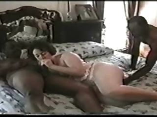 Giggly Wife With 2 Bbc