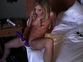 Amy Masturbates Till Squirts Hard!! -l1390-