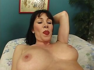 Milf Mommy Rayvennes Creampied