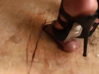 The Sexiest Shoejob Ever