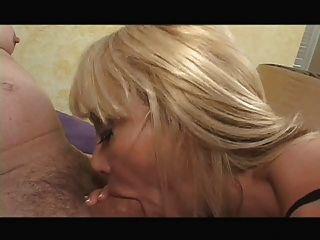 Hot Busty Cougar Kat Kleevage Smoking Bj