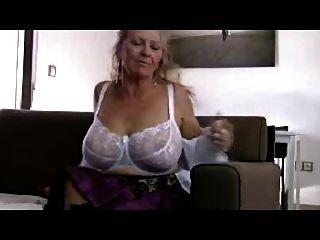 Big Titta Granny R20