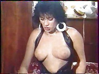 Elodie Lolos De La Garagiste