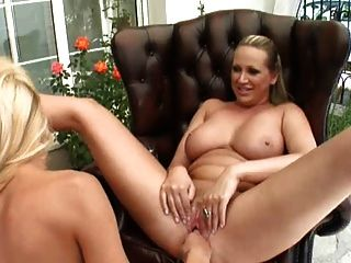 Mandy & Clara G Fisting