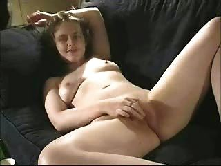 Busty Nature Amateur Girlfriend Fingered And Licked On Couch