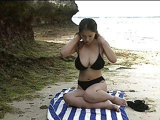 Anna Ohura Bikini