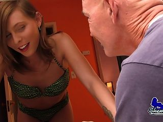 Sienna Grace Fucks Pool Man