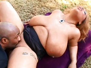 Lady Snow Fucking In Backyard