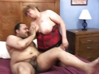 Bbw Couple Fucks On The Bed