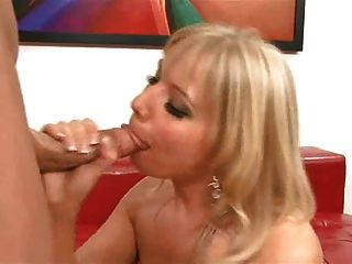 This Sexy Milf Love Fuck In Stand Up Position