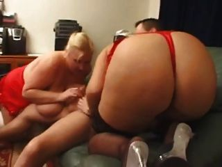Big Couple Girls Enjoy Anal Threesome