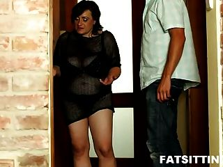 Fatty Mature Reveals Her Deep Passion For Facesitting