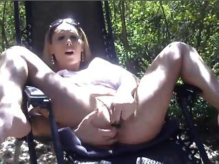 Squirting In Public Park