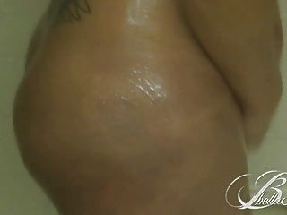 Bella Sinatra Gets Wet In The Shower