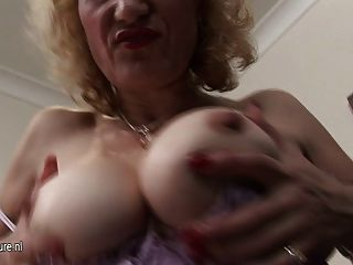 Grandma Naomi Loves To Play With Her Old Pussy