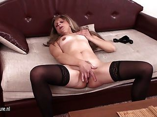 Naughty Mom Playing With Her Pussy