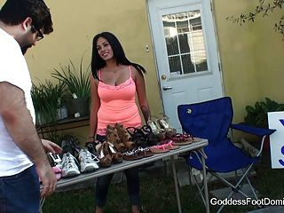 Foot Fetish - Foot Worship - Yard Sale