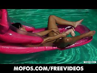 Bikini Clad Brunette Oils Up And Masturbates In The Pool