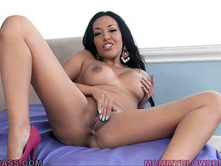 British Milf Rio Lee Gets On Her Knees For Blowjob