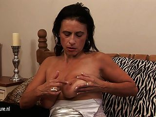 Kinky Mama Dreaming Of Young Cock