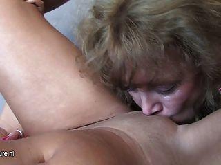 Mature Mom Valeska Fucks Hot Luzia