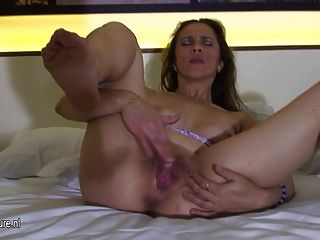 Amateur Housewife Norma Loves To Play On Bed