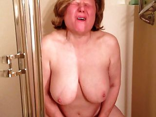 Marie Cums Soooo Hard In The Shower