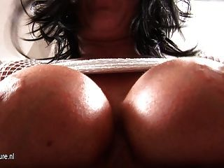 Busty Mature Mom Peaches Loves Getting Wet