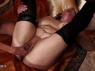 Melinde Fisting Mature Mom Marya