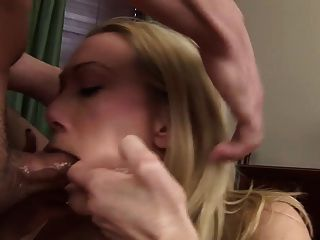 Samantha Is Doing Extreme Blowjob