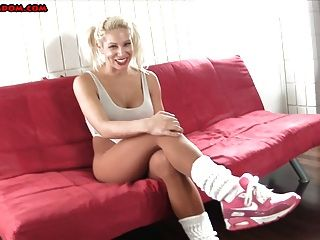 Bimbo In A Leotard And Pantyhose Foot Tease Joi