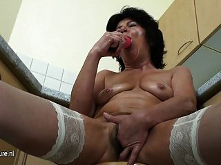 Old Granny Fisted By A Nice Teeny