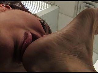 Lesbian Toe Sucking Foot Worship