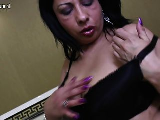 Amateur Mature Slut And Her Big Black Dildo