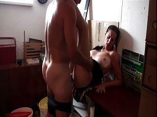 Couple Fucks In The Parents Garage (camaster)
