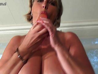 Hot And Sexy Old Mother Suck Hard Cock