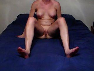 Look At Her Ass & Feet
