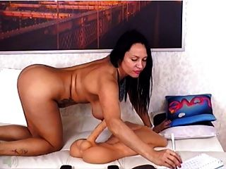 48 Milf In Webcam Fucks Her Holes With Toys