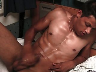 Body Worship And Cumshoot