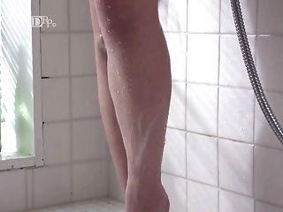 Japanese Showering Voyeur Video