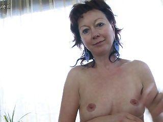 55yo mature mom fucks her young boy 2