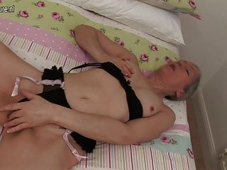 Amateur Uk Mature Mom And Her Old Cunt