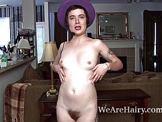 Hairy Woman Ruby Rose Loves Being A Sex Operator