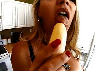 Vicky Vette Hot Kitchen Bj - Banana Sundae!