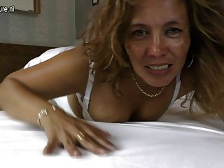 Amateur Mature Latin Mom Masturbating
