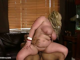 Bbw Amateur Summer Sinn Loves To Fuck Big Dicks